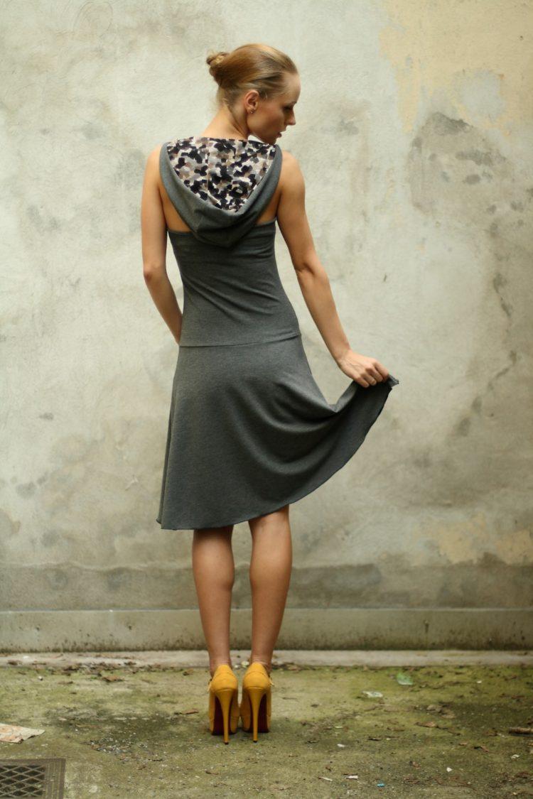 Kapuzen Neckholder Kleid