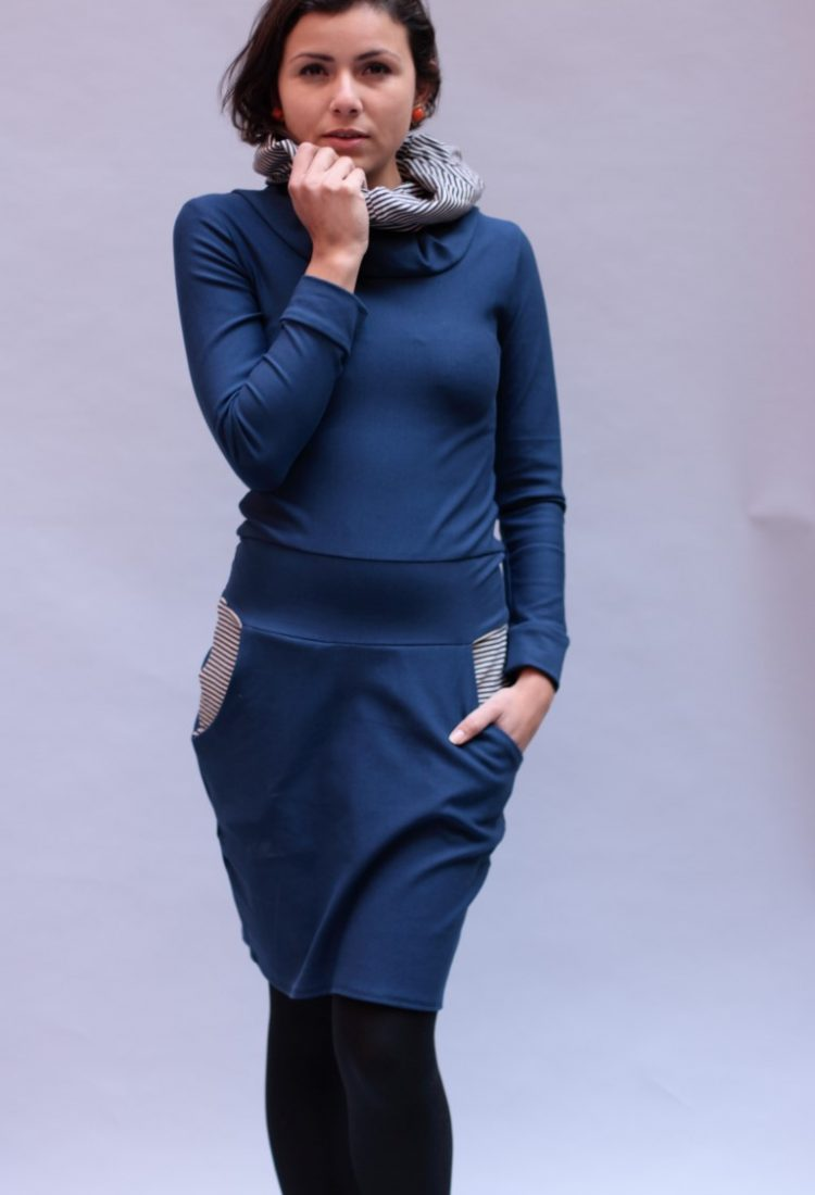 Kapuzenkleid Kleid mit Tulpenrock in marine blau - ManduTrap
