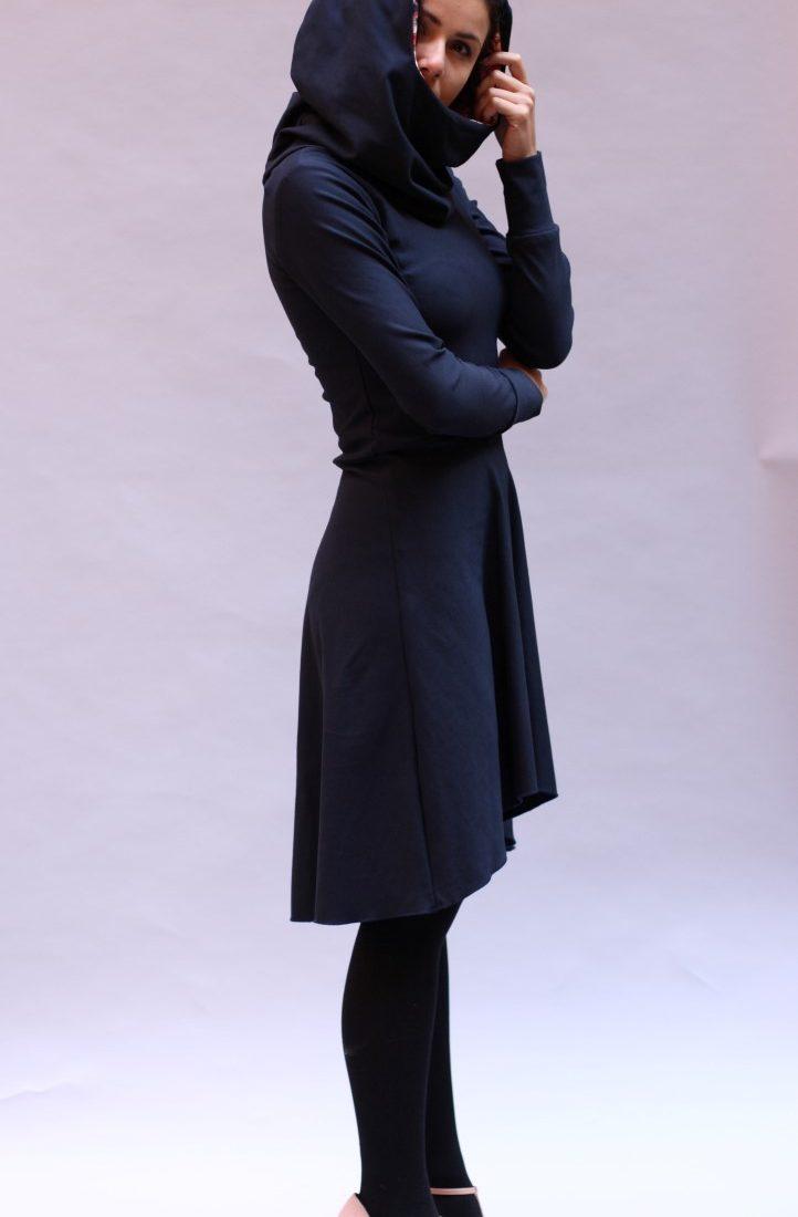 Hoodie Kleid in dunkel blau - ManduTrap