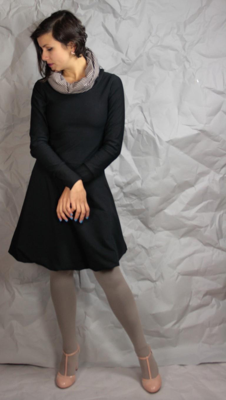 Kapuzenkleid schwarz