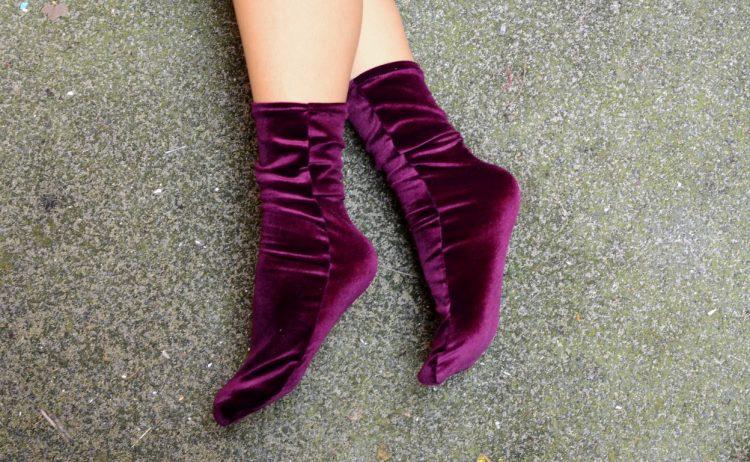 socken purple