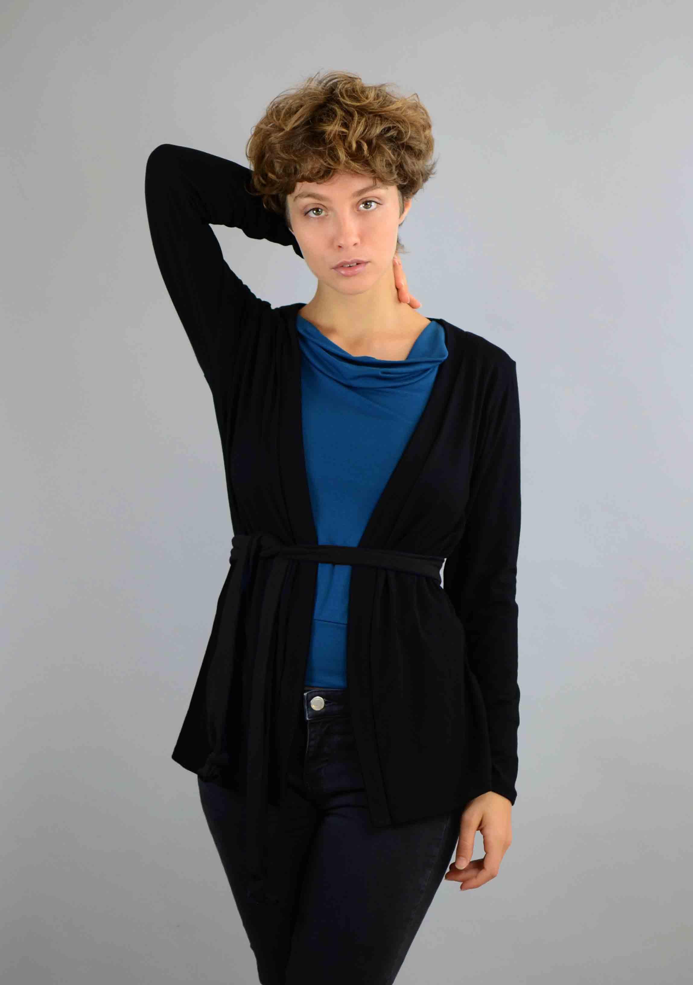 schwarze Viskose Jacke