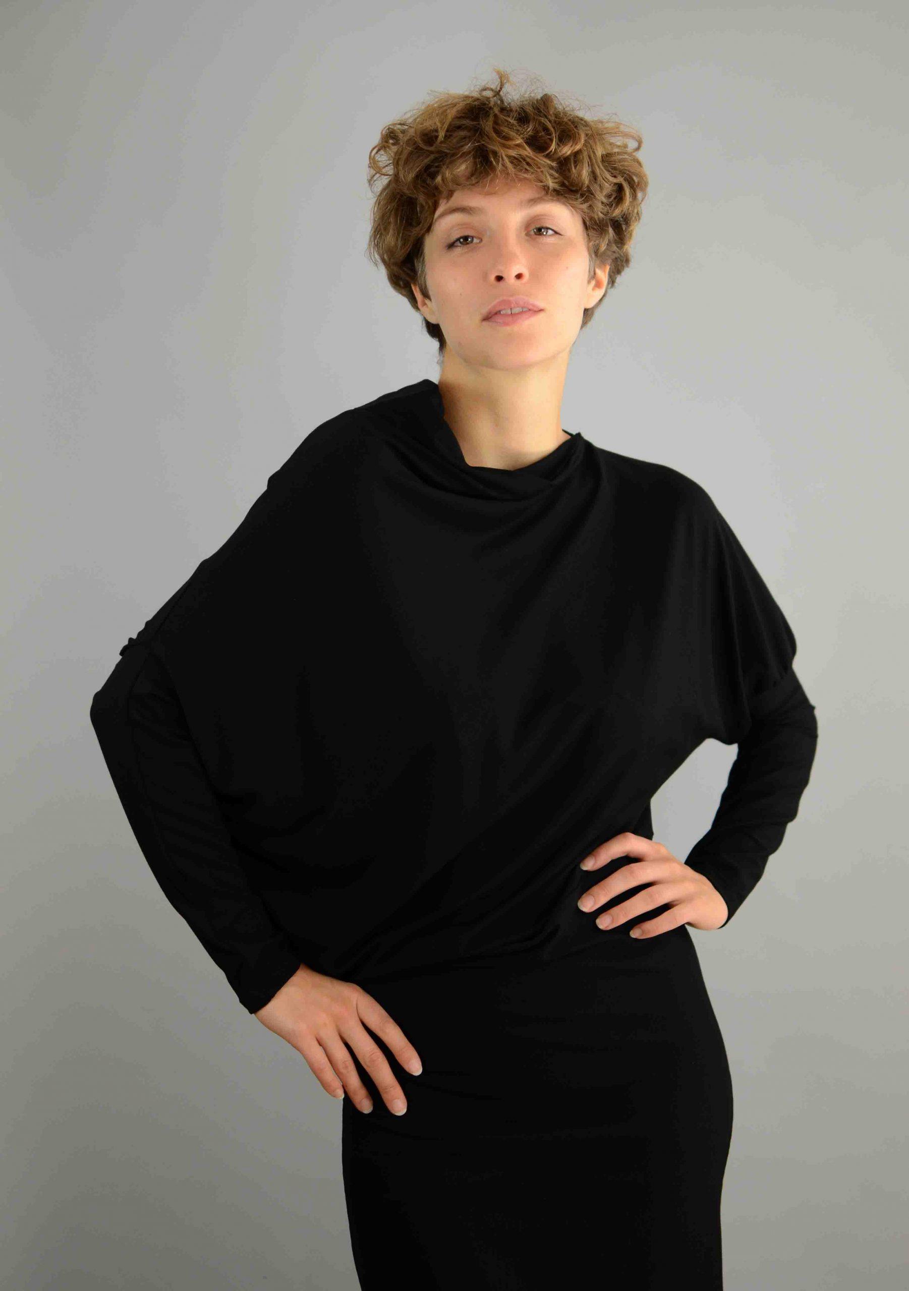Schwarzes asymmetrisches Kleid Jacki aus einer oekotex ...